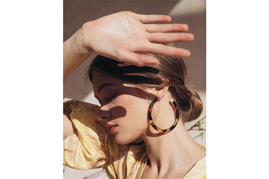 Bảo vệ tóc khỏi ánh nắng mặt trời