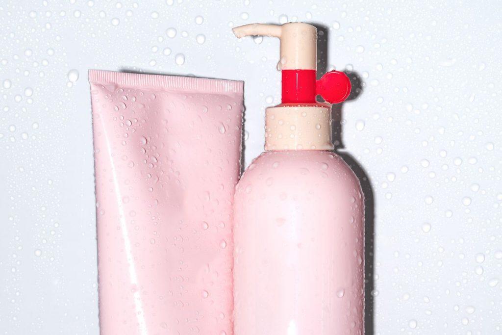 Dùng dầu gội và dầu xả dành riêng cho tóc nhuộm