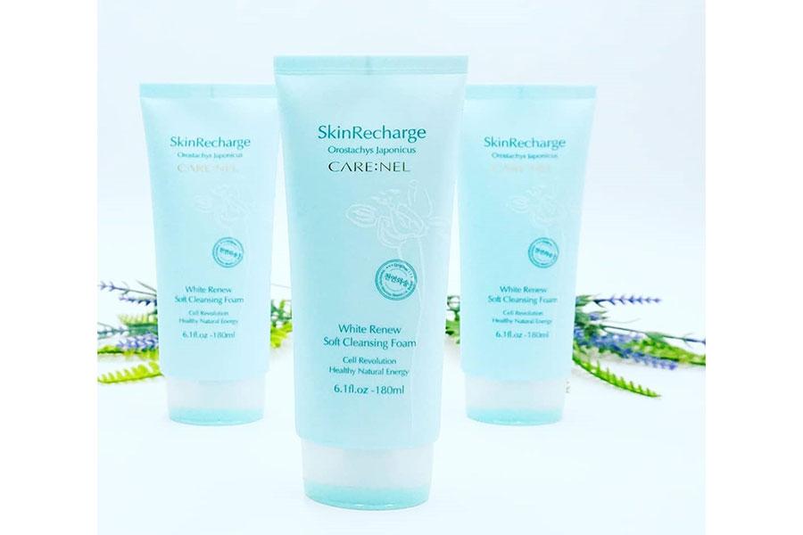 Sữa rửa mặt Care:nel White Renew Soft Cleansing Foam làm sạch, trắng sáng da, ngừa mụn cám, mụn đầu đen